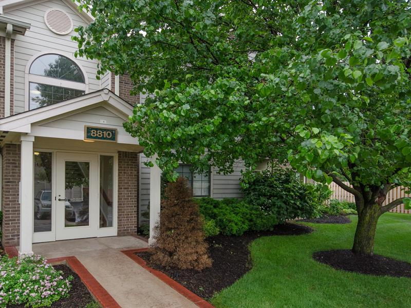 SOLD - 8810 Yardley Court, Unit #206, Indianapolis, IN  46268